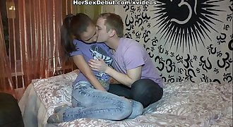 Teen with taut ass behaves like a professional geisha